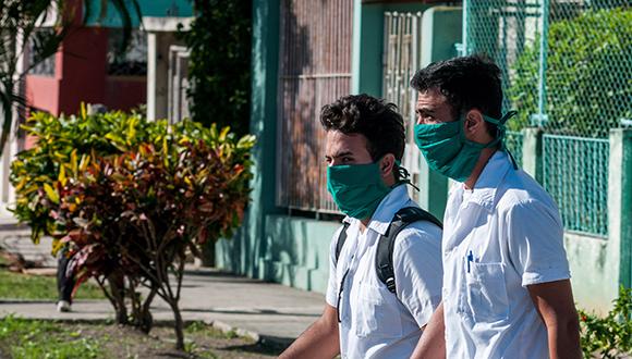 Jóvenes realizan pesquizas en Santiago de Cuba ante el covid-19