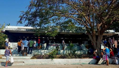 Mercado agropecuario del reparto urbano Versalles, en Santiago de Cuba