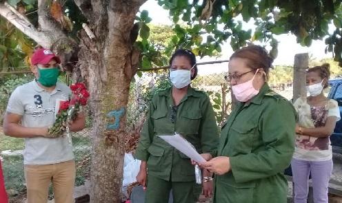 Reconocimiento al joven médico de Mayarí Arriba, municipio Segundo Frente.