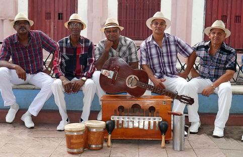"""Tras la grabación del CD """"Este es nuestro Changüí"""", en los estudios EGREM Siboney de Santiago de Cuba."""