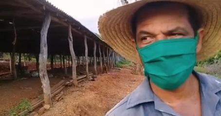 Juan Manuel Rodríguez y su familia producen alimentos en El Peladero, Uvero, en Guamá..