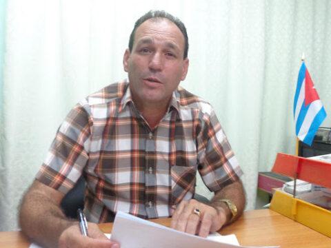 René Berenguer secretario general de la CTC en Santiago de Cuba