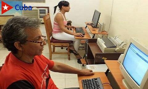 CMKC, Periodistas de la emisora provincial CMKC, Radio Revolución en defensa de las razones de Cuba. Foto: Santiago Romero Chang.