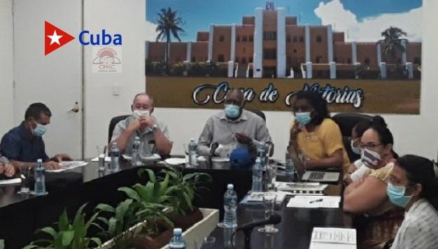 Salvador VAaldés Mesa, vicepresidente cubano, en encuentro con autoridades de la provincia Santiago de Cuba.