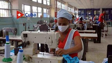Dedicada a implementos deportivos y confecciones, esta fábrica fue inaugurada en 1977 por el Comandante en Jefe Fidel Castro Ruz, quien la visitó nuevamente en 1993.