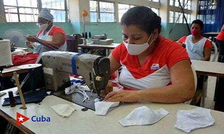 Aprovechan recortería en Industria deportiva santiaguera