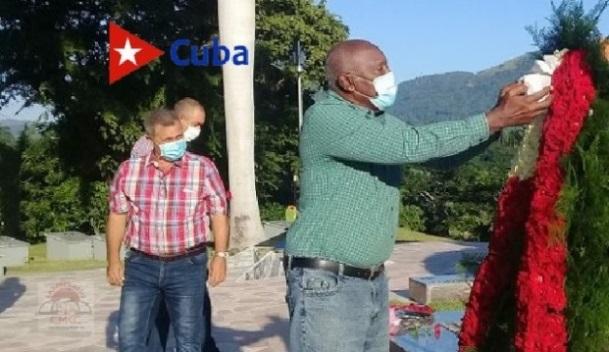 Homenaja al Comandante de la Revolución Juan Almeida Bosque, por el vicepresidente cubano Salvador Valdés Mesa en el tercer frente.